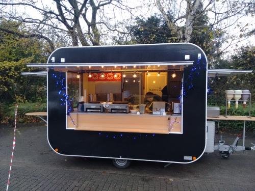 hotdogmobil mieten sie unseren mobilen bratwurstwagen hamburger gulaschkanone fleischspie e. Black Bedroom Furniture Sets. Home Design Ideas
